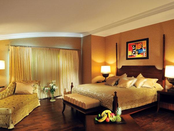 Hotel verkaufen, Hostel verkaufen, Pansion verkaufen, Hotel Immobilien, Experte für Hotel Immobilien, Verkauf von Betrieben, Nachfolge, Fachmakler in der Gastronomie, Werteinschätzung für Ihr Unternehmen, Hotellerie Business, Hotelverkauf